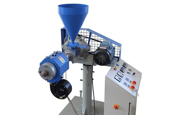 jockey-extruder-lining-machine